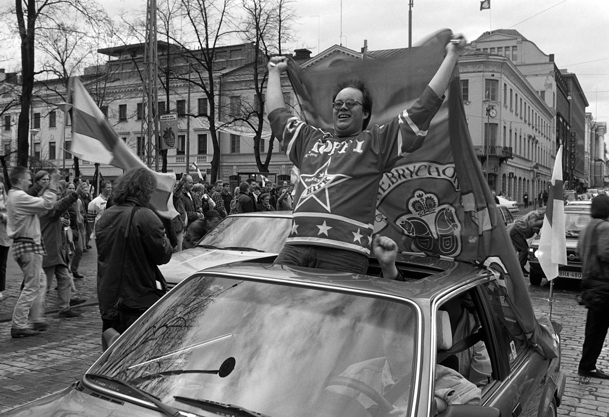 Finns celebrate world ice hockey title 1995 Wikipedia commons